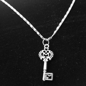 """Key to The Castle  22"""" Silver Necklace"""